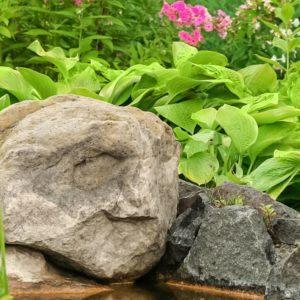 south-jordan-utah-landscape-boulder-delivery